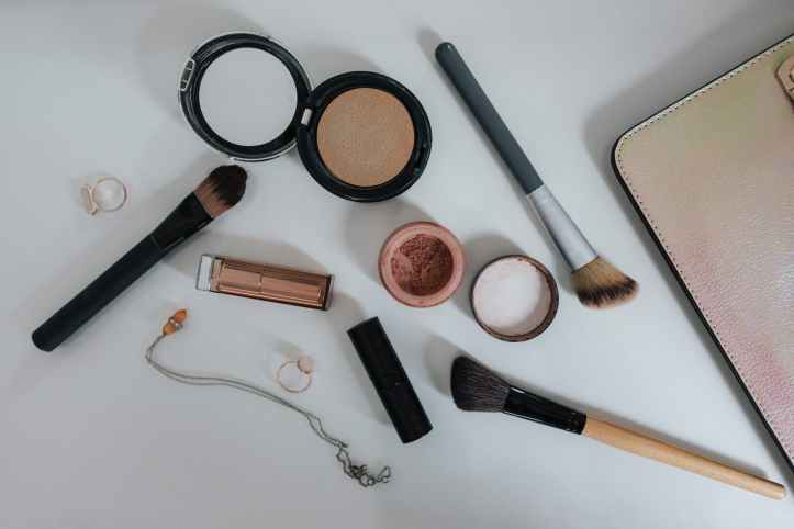 makeup, beauty, makeup products, skincare, skincare products. choosing the right shade foundation, choosing the right makeup for your skin, beauty advisor, beauty consultant, virtual  beauty advisor, virtual beauty consultant,