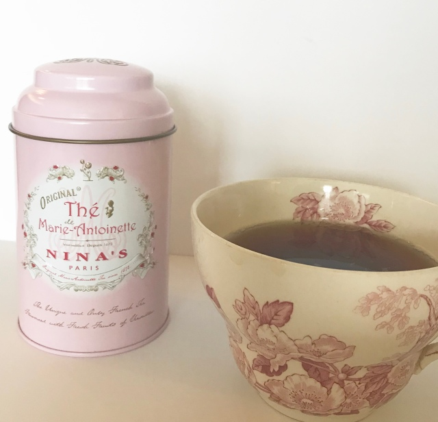 ninas tea, ninas marie antoinette tea, marie antionette tea, lifestyle blog, beauty blog, french blog, francophile, francophile blog, french product review,